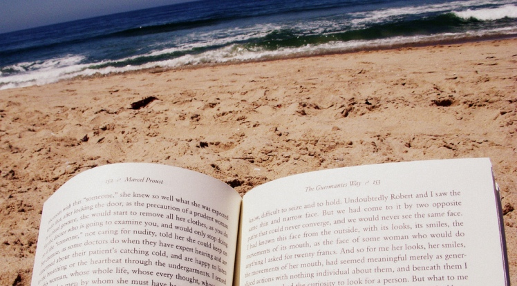 """Summer read"" by LWYang @ Flickr."